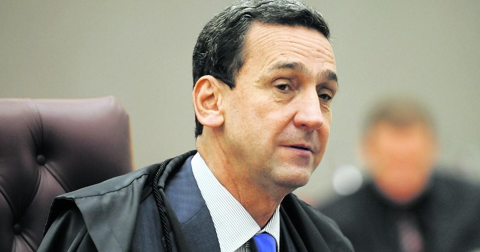 STJ confirma novo afastamento de conselheiros