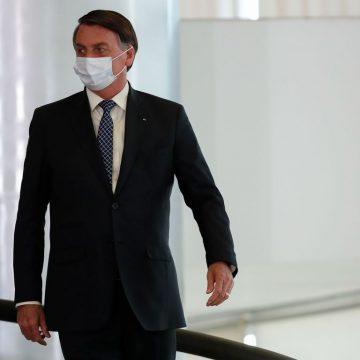 Bolsonaro afasta vice-líder após flagra da PF