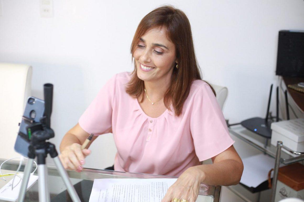 Ana Cláudia assina carta proposta por Fórum
