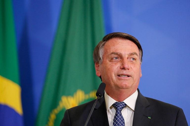 Bolsonaro volta a dizer que não apoia candidatos