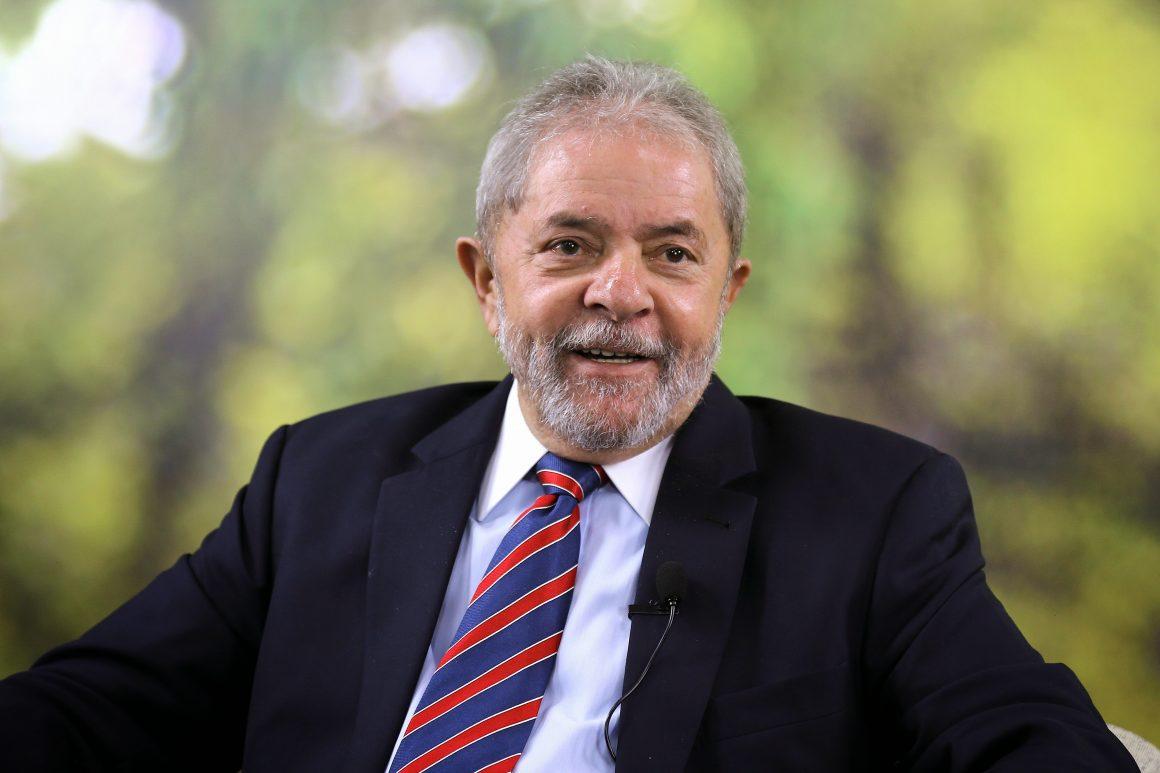 Supremo decide que processos de Lula vão para o DF