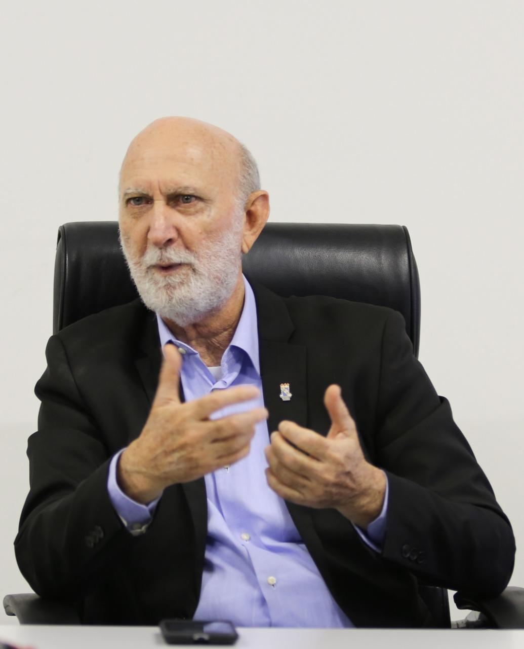 Pró-reitor da UFPB prega defesa da democracia