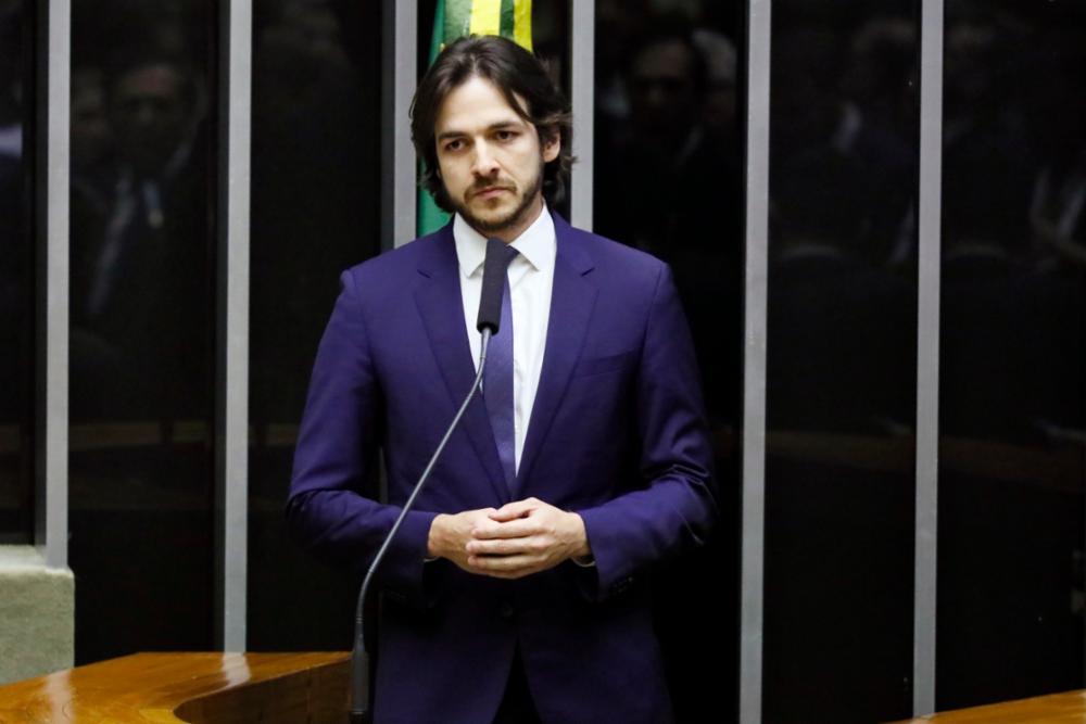 Pedro votará contra a reforma administrativa