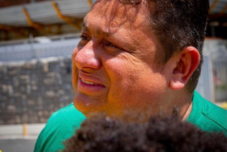 Wallber fica só no aperto de mão com Bolsonaro