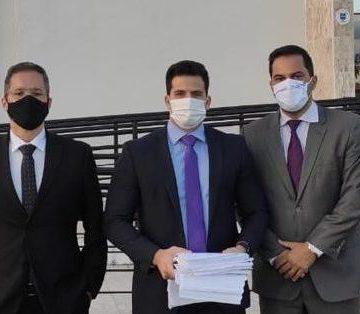 """Coligação de Bruno quer PF contra """"milícia virtual"""""""
