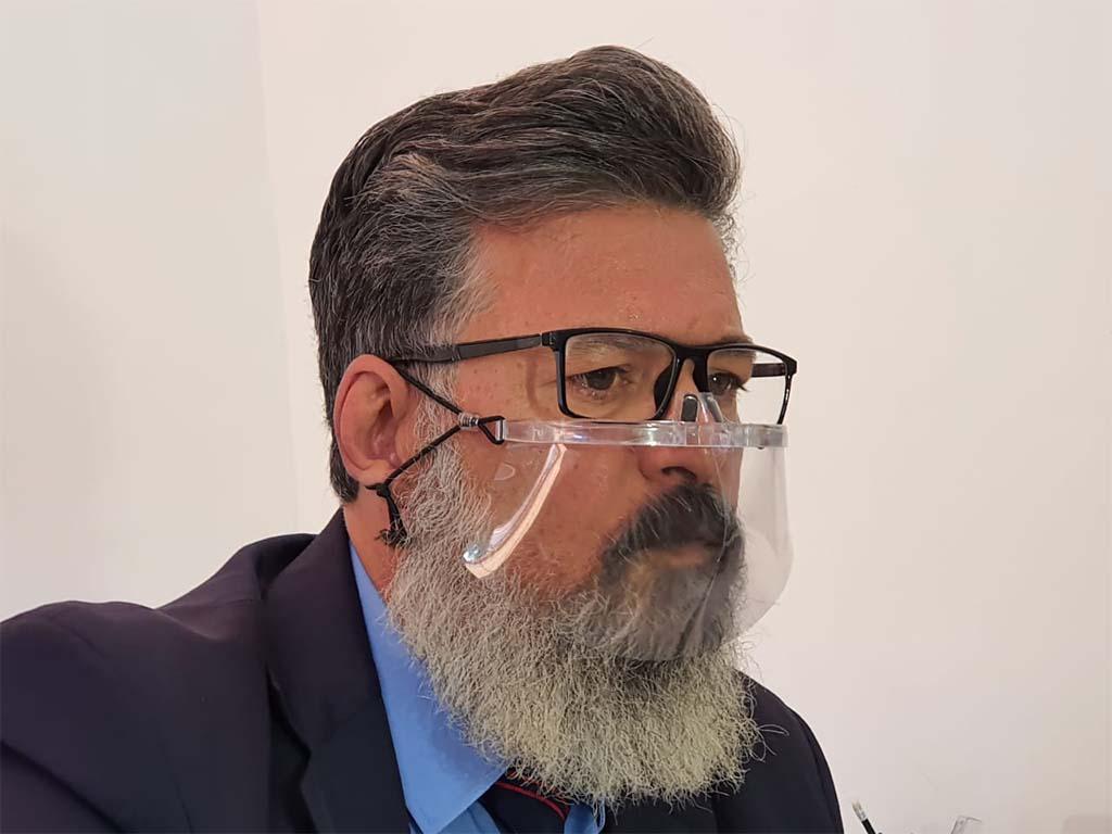 Juiz acata liminar contra assessores de Veneziano