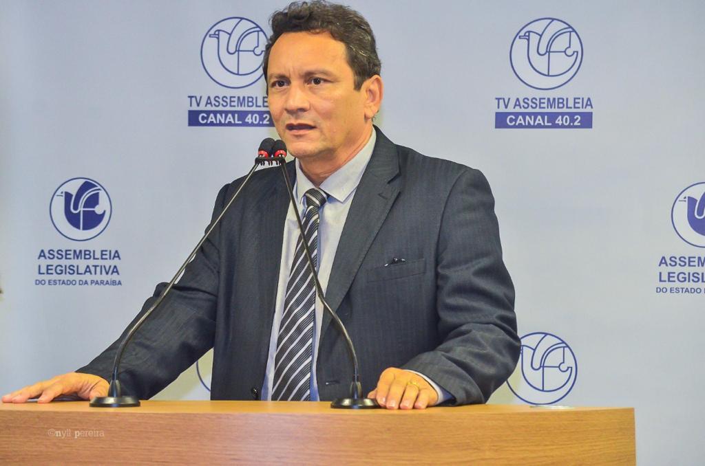 Prefeito de Brejo do Cruz é transferido para SP