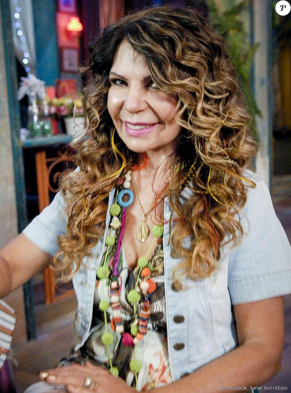 Em vídeo, Elba Ramalho afirma não saber de festa