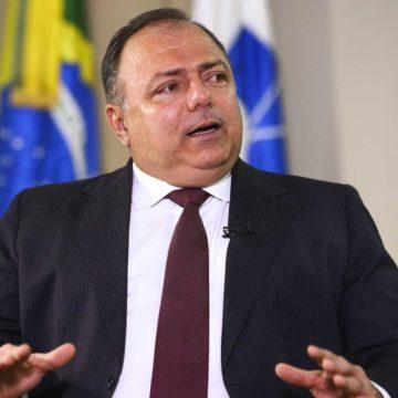 Ex-ministro Pazuello escapa de punição do Exército