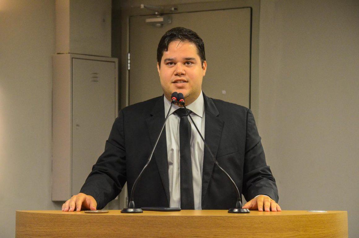 PL de Anderson Monteiro prevê multa de R$ 10,7 mil