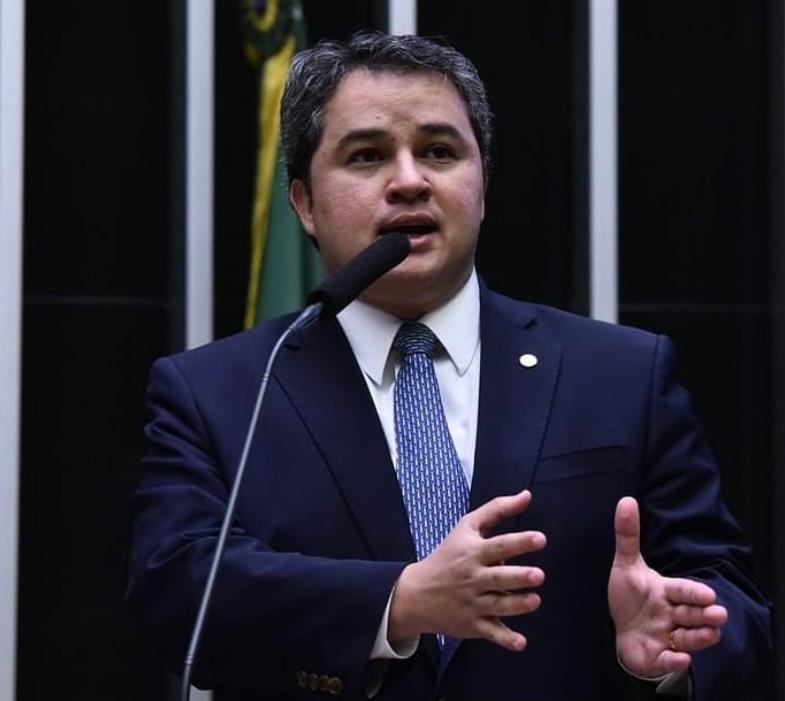 """Efraim Filho: candidatura ao Senado """"é sem volta"""""""