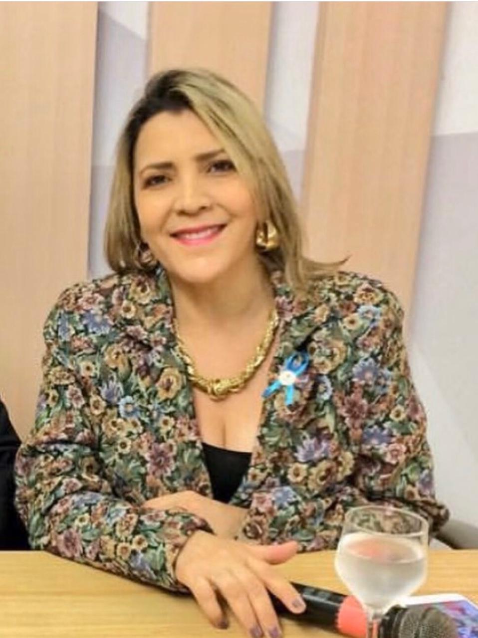 Nena Martins vai para a Secretaria das Mulheres