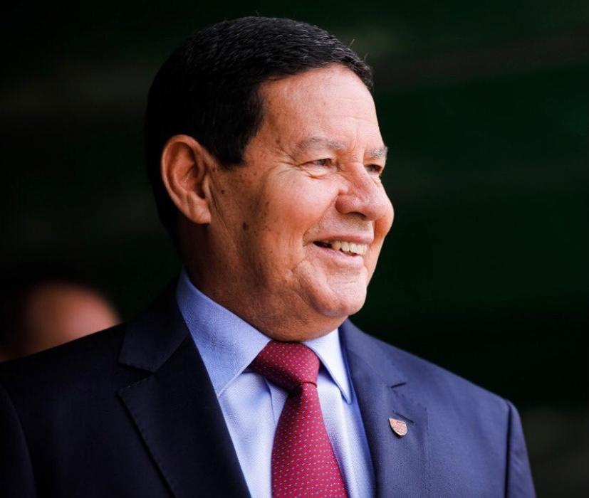 """""""Brasil não é república de bananas"""", diz Mourão"""