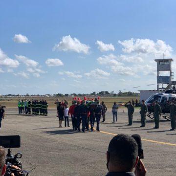 Corpo de Maranhão é recebido com honras; assista