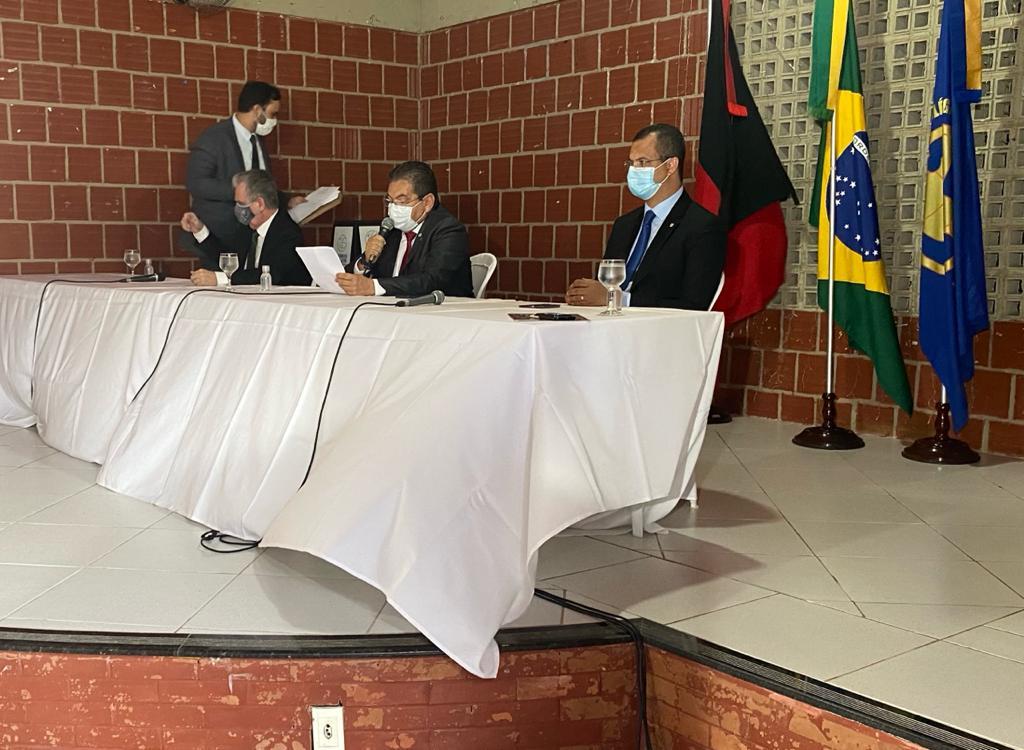 Galdino: deputados decidirão sobre sessão presencial