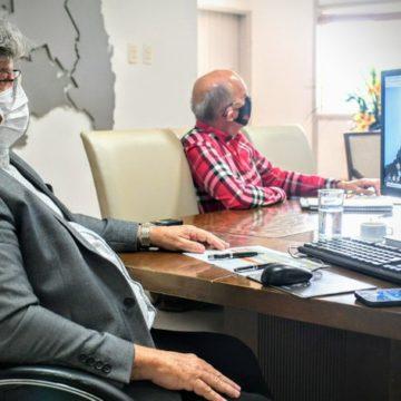 João prevê vacinar grupo prioritário até julho