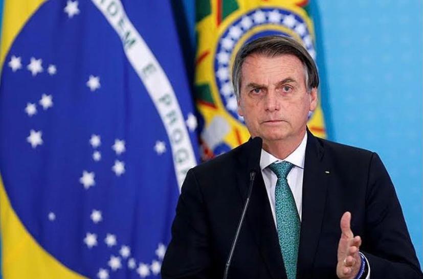 Bolsonaro defende maior tributação de redes sociais