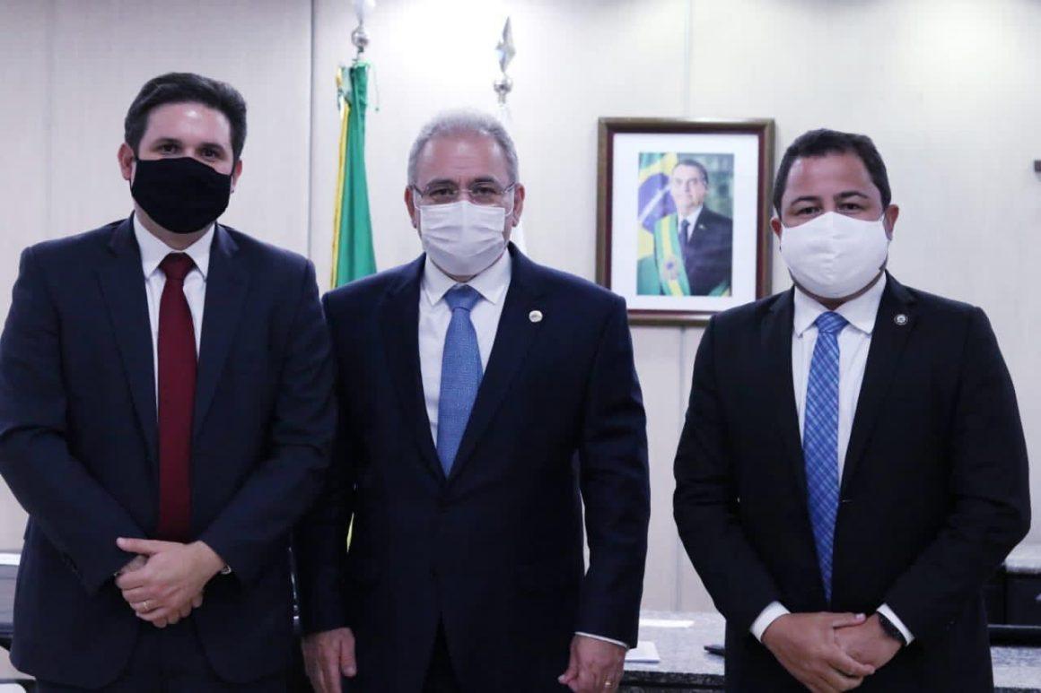 Covid: ministro garante agilidade na vacinação