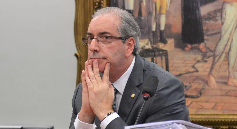 Eduardo Cunha tem prisão revogada pelo TRF4