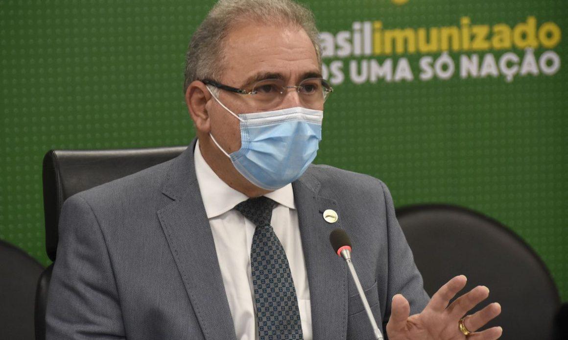 Queiroga critica inclusão de grupos por gestores