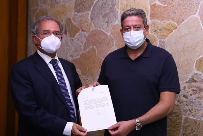 Lira usa reforma tributária para se chegar a Guedes