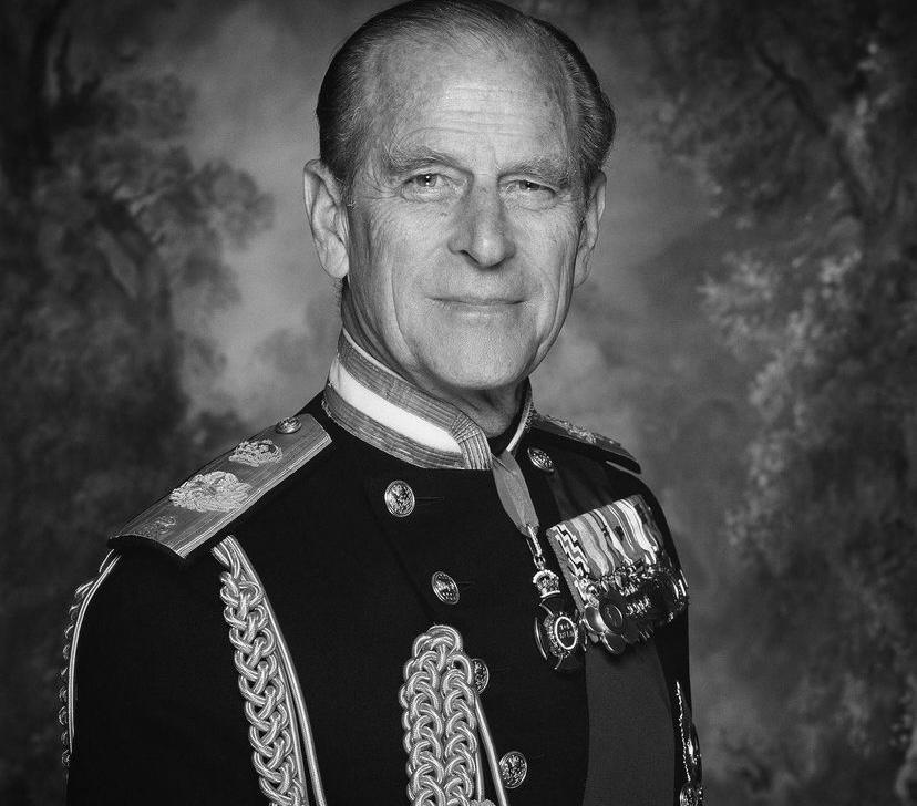 Príncipe Philip, marido da rainha, morre aos 99 anos