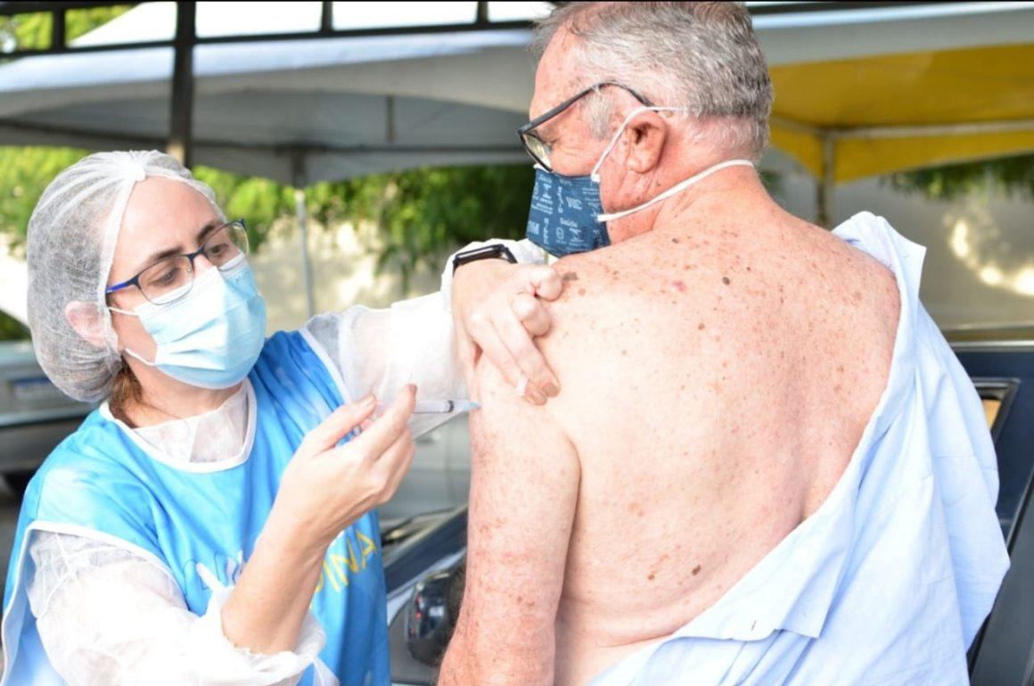 PMJP vacina hemofílicos e grávidas com comorbidade