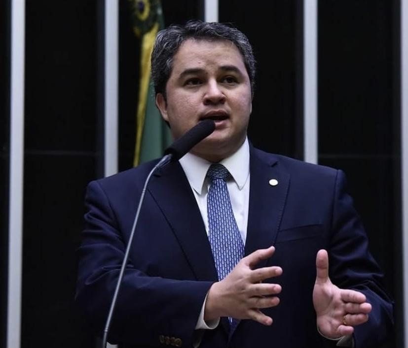 Bancada do DEM pede expulsão de Rodrigo Maia