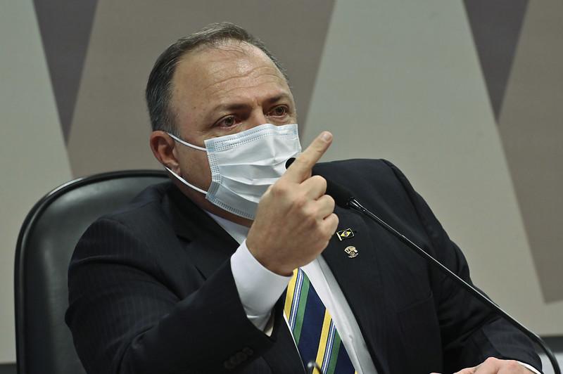 Oposição aciona MP Militar e Exército contra Pazuello