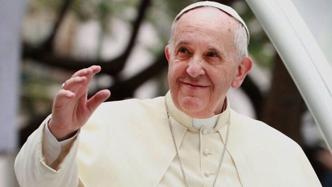 """Papa brinca e diz: """"brasileiro não tem salvação"""""""