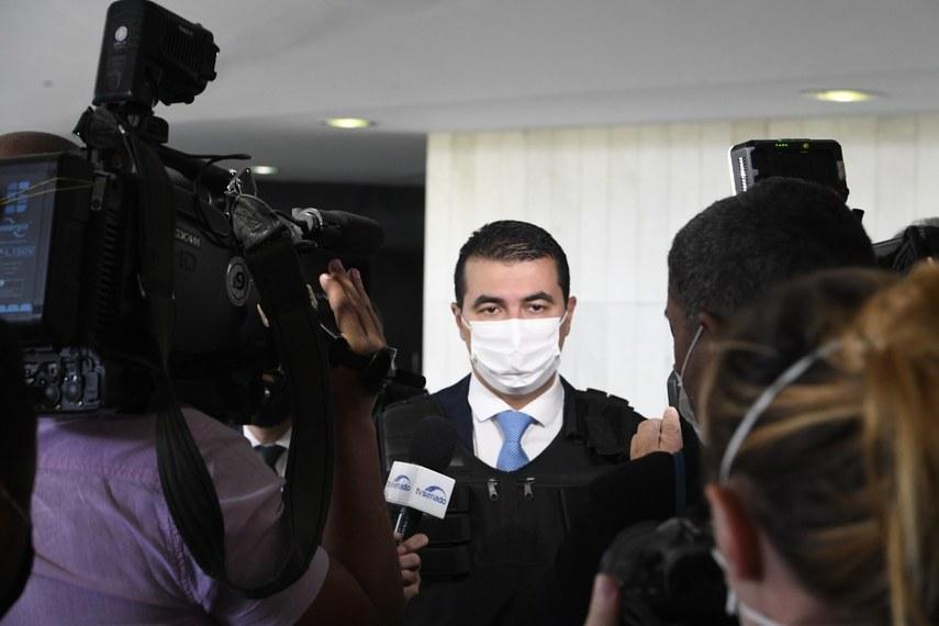 CPI aprova acareação entre Ônix e Luís Miranda