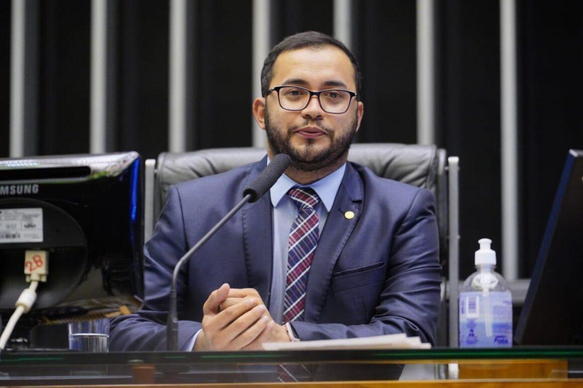 Rafafa preside sessão conjunta do Congresso