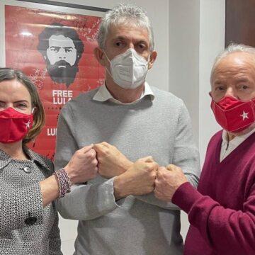 Prestígio de Ricardo com Lula pode ir além da foto