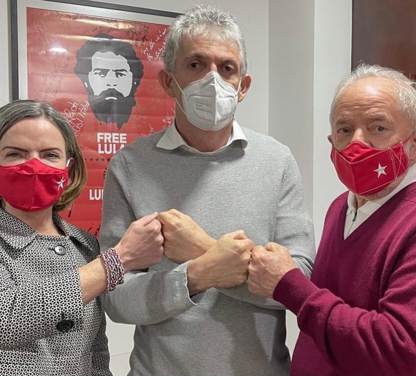 Ricardo e deputados se filiam ao PT com aval de Lula