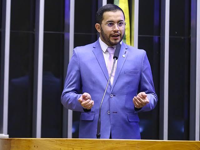 """Deputados aprovam urgência para """"Desconto Gás"""""""
