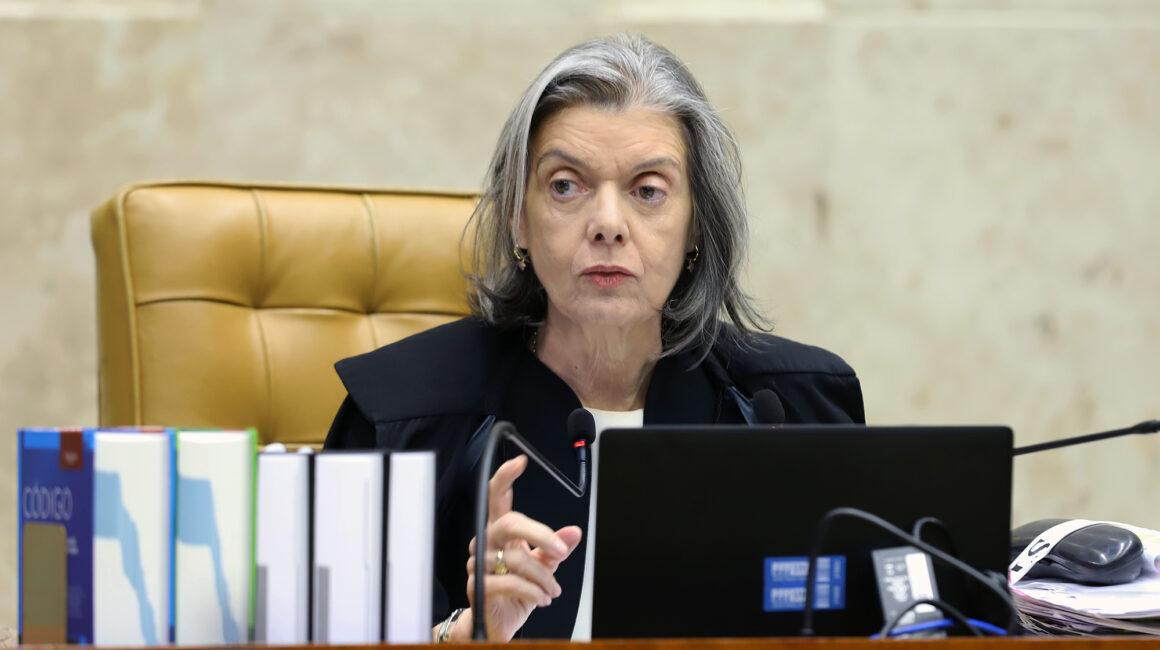Ministra cobra parecer da PGR sobre ataque às urnas