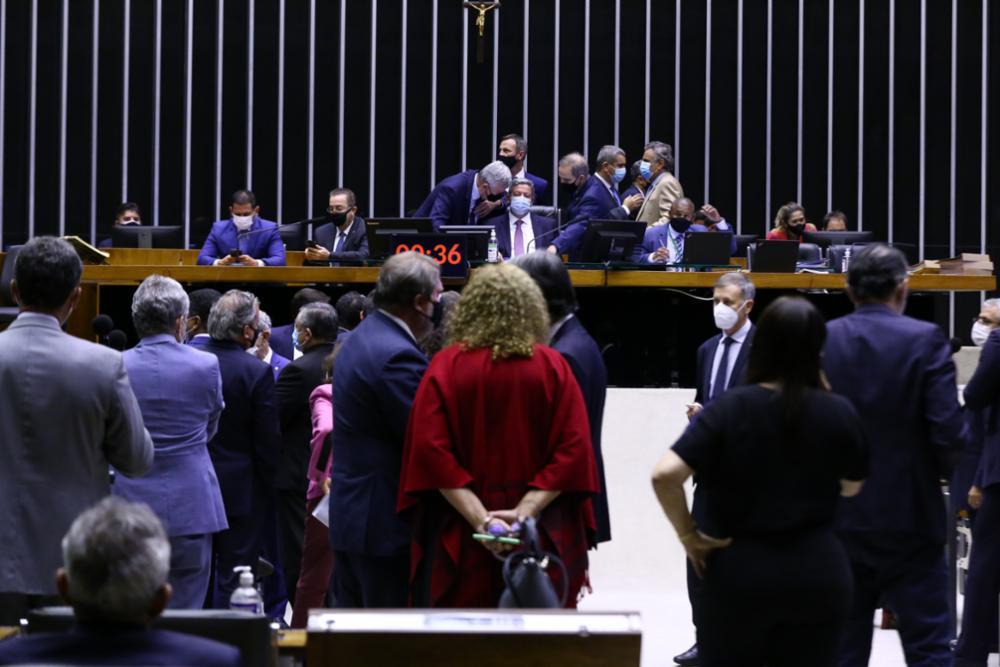 Acordo derrota Distritão e ressuscita coligações
