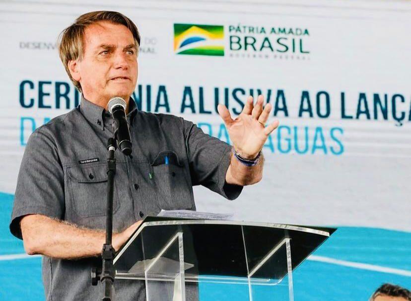 "Bolsonaro defende ""Kit Covid"" em visita à Paraíba"